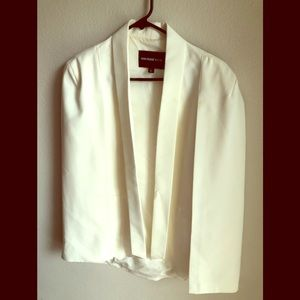 Who what wear off white cape blazer